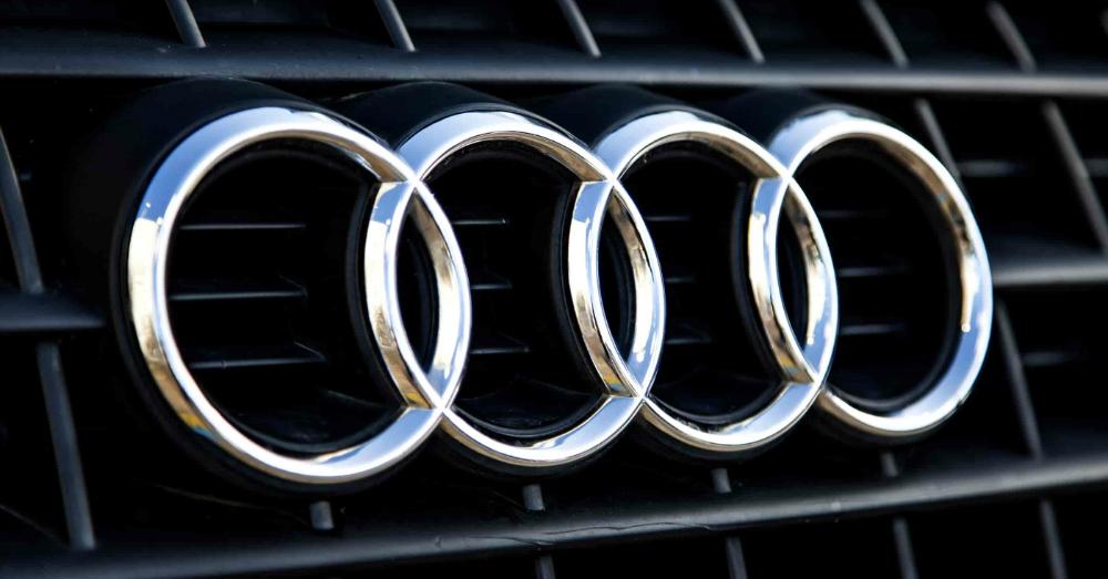 04.15.16 - Audi Logo