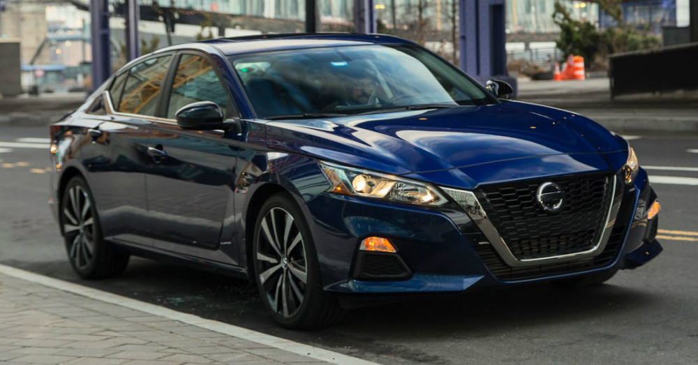 Affordable Sedan - Drive a Used Nissan Altima Today
