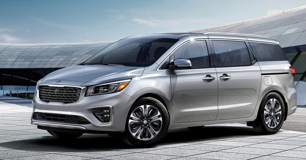 Kia Sedona - Kia Shows you an Excellent Minivan